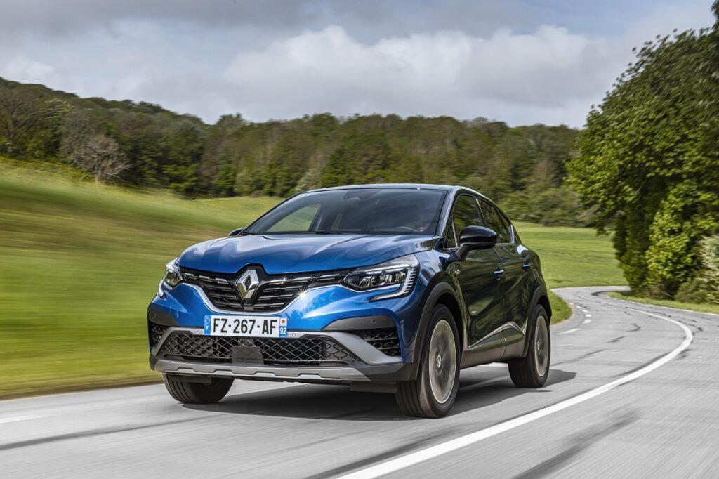 Selon les chiffres de l'année 2020 en Europe, compilés par Inovev, Renault est la marque leader sur le segment B où le duo Clio-Captur représente 13 % des ventes. © Jean-Brice Lemal/Planimonteur