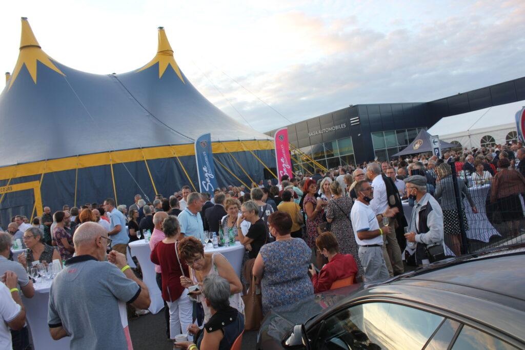 Plus de 900 personnes ont assisté à l'anniversaire de la concession, parmi lesquels : apporteurs d'affaires, entreprises et collectivités locales, etc.