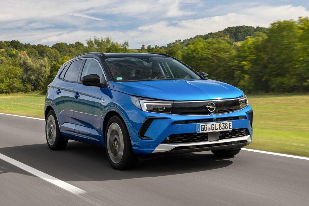 Sur un marché en baisse de 23 %, Opel progresse de 7,9 % en août 2021.