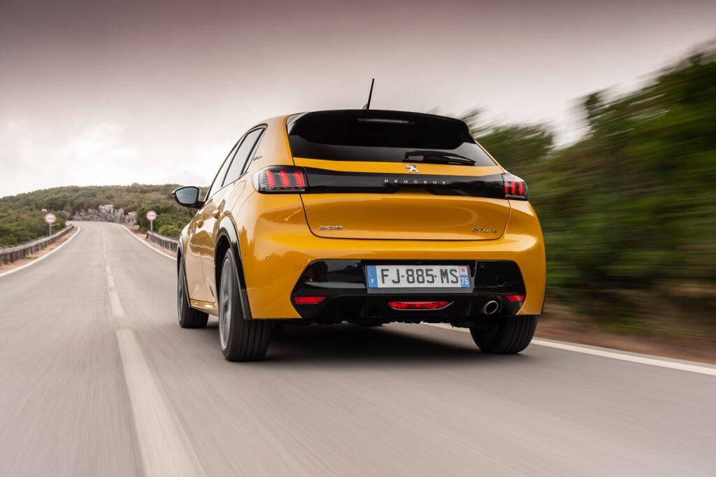 La marque Peugeot affiche -40 % en août 2021 mais progresse de 11,6 % depuis le début de l'année.