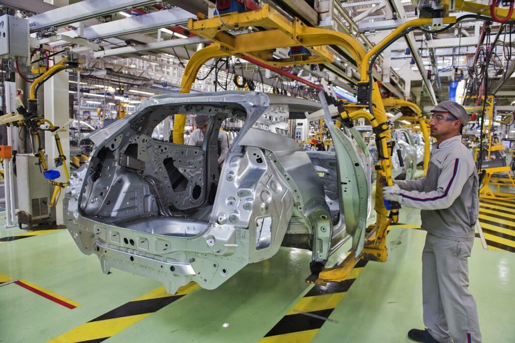 La pénurie de semi-conducteurs pourrait entraîner une perte cumulée de 210 milliards de dollars pour les constructeurs automobiles en 2021.