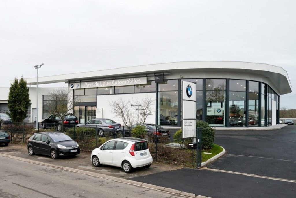 Le groupe Pautric este le premier distributeur BMW en France en 2020.