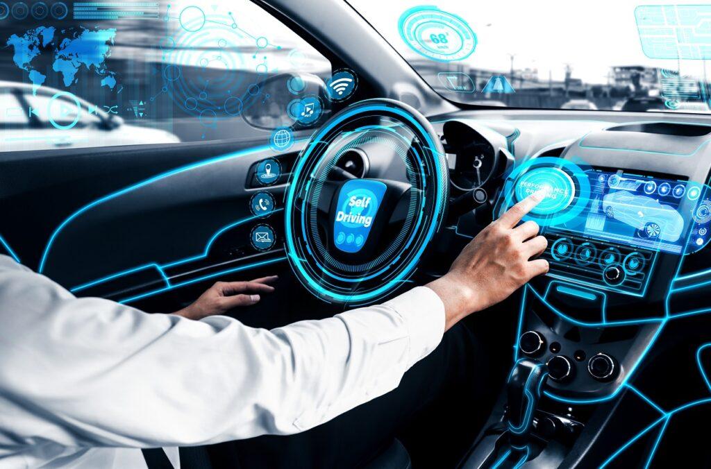 Le marché de la donnée des véhicules connectés pourrait générer un marché de 300 à 400 milliards d'euros d'ici 5 ans.