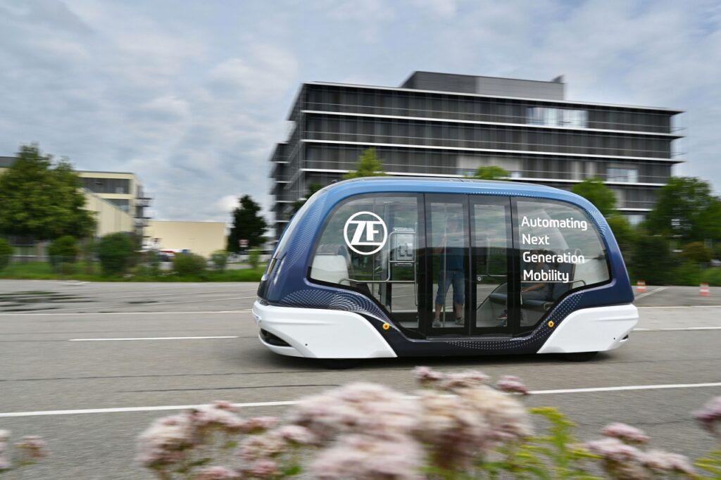 ZF peut fournir la navette autonome et tous les services associés.