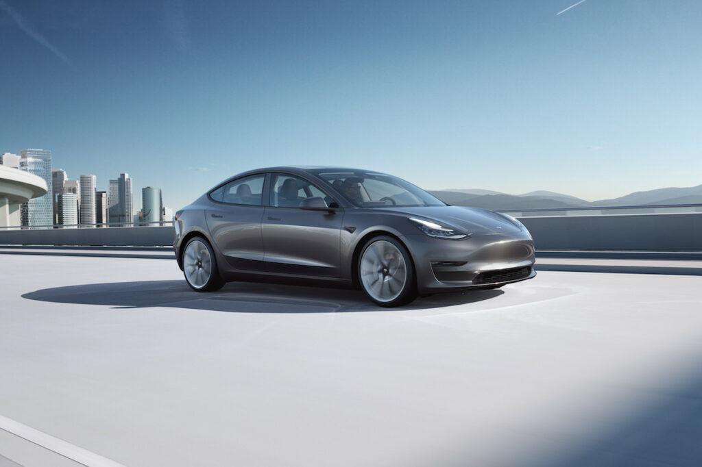 Tesla se place en tête des ventes de voitures électriques en entreprises grâce à la Model 3.