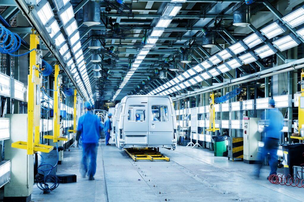 Selon la branche Métallurgie de la CFE-CGC, l'emploi dans l'industrie automobile est menacé car elle manque de visibilité à moyen terme.
