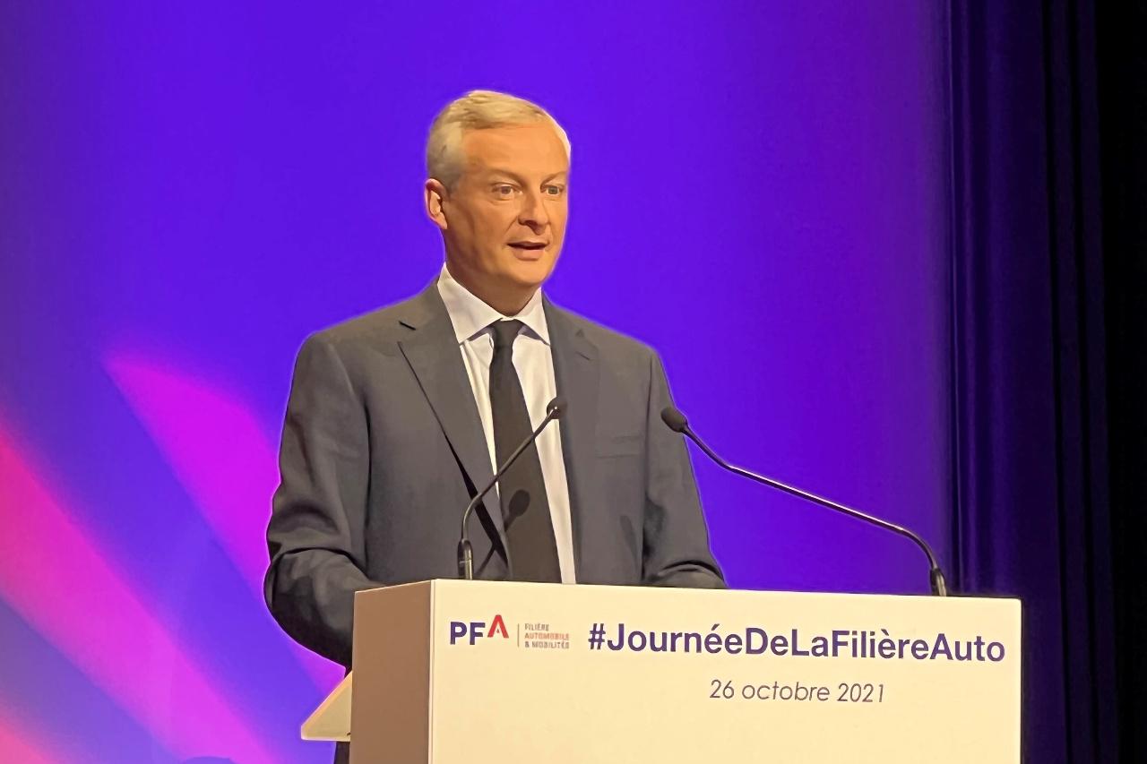 """Bruno Le Maire : """"Relocalisez les chaînes de valeurs de vos produits en France"""""""