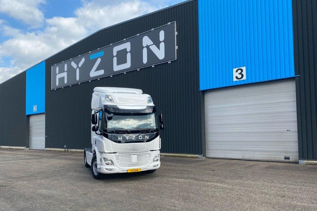 La filiale néerlandaise du groupe américain Hyzon Motors a fait essayer sa camion H2 à des professionnels.