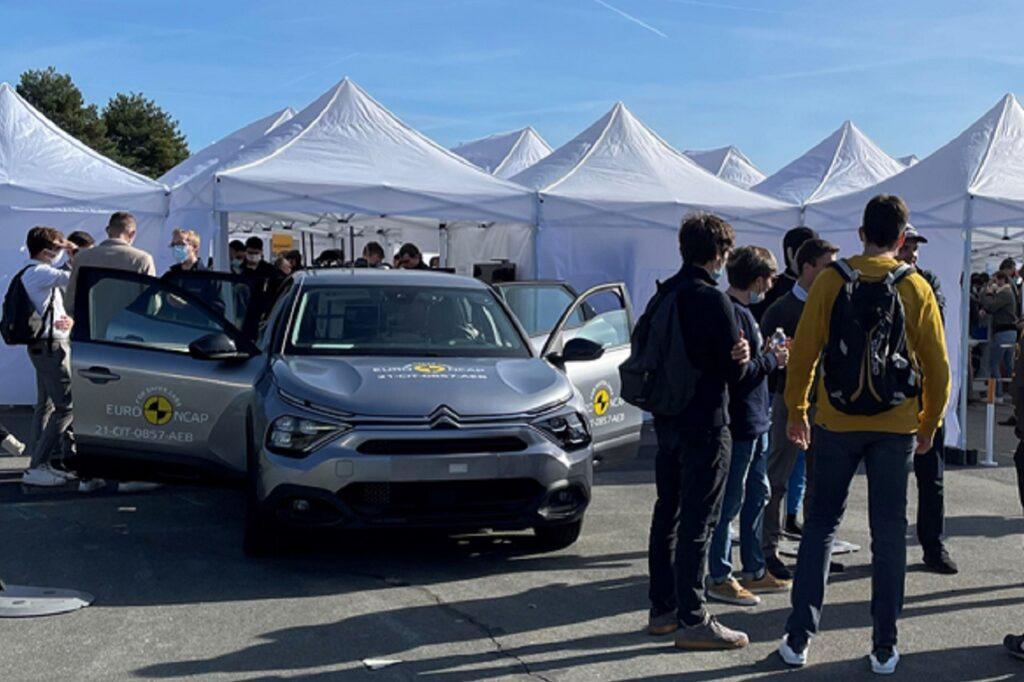 400 étudiants se sont retrouvés le 30 septembre 2021 sur le circuit Utac de Linas-Montlhéry (91).