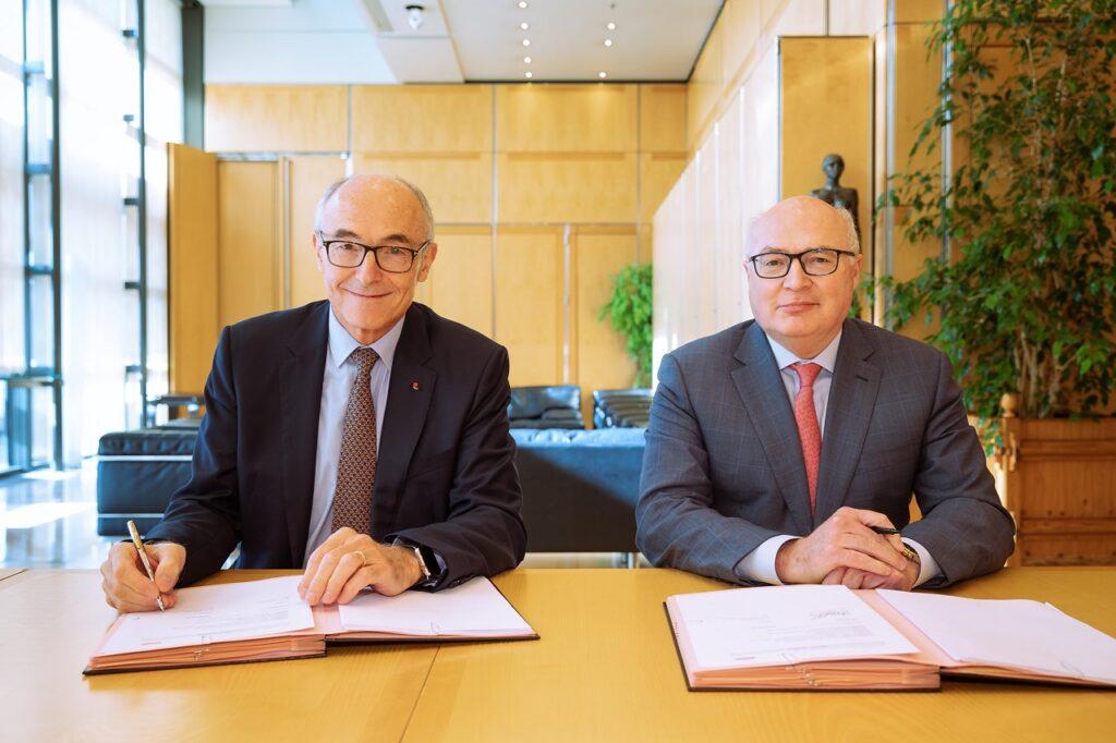 Benoît Potier, PDG du groupe Air Liquide, et Patrick Koller, PDG de Faurecia.