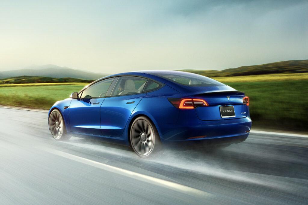 La Tesla Model 3 a été la voiture plus vendue du Royaume-Uni en septembre 2021 avec 6 879 unités.