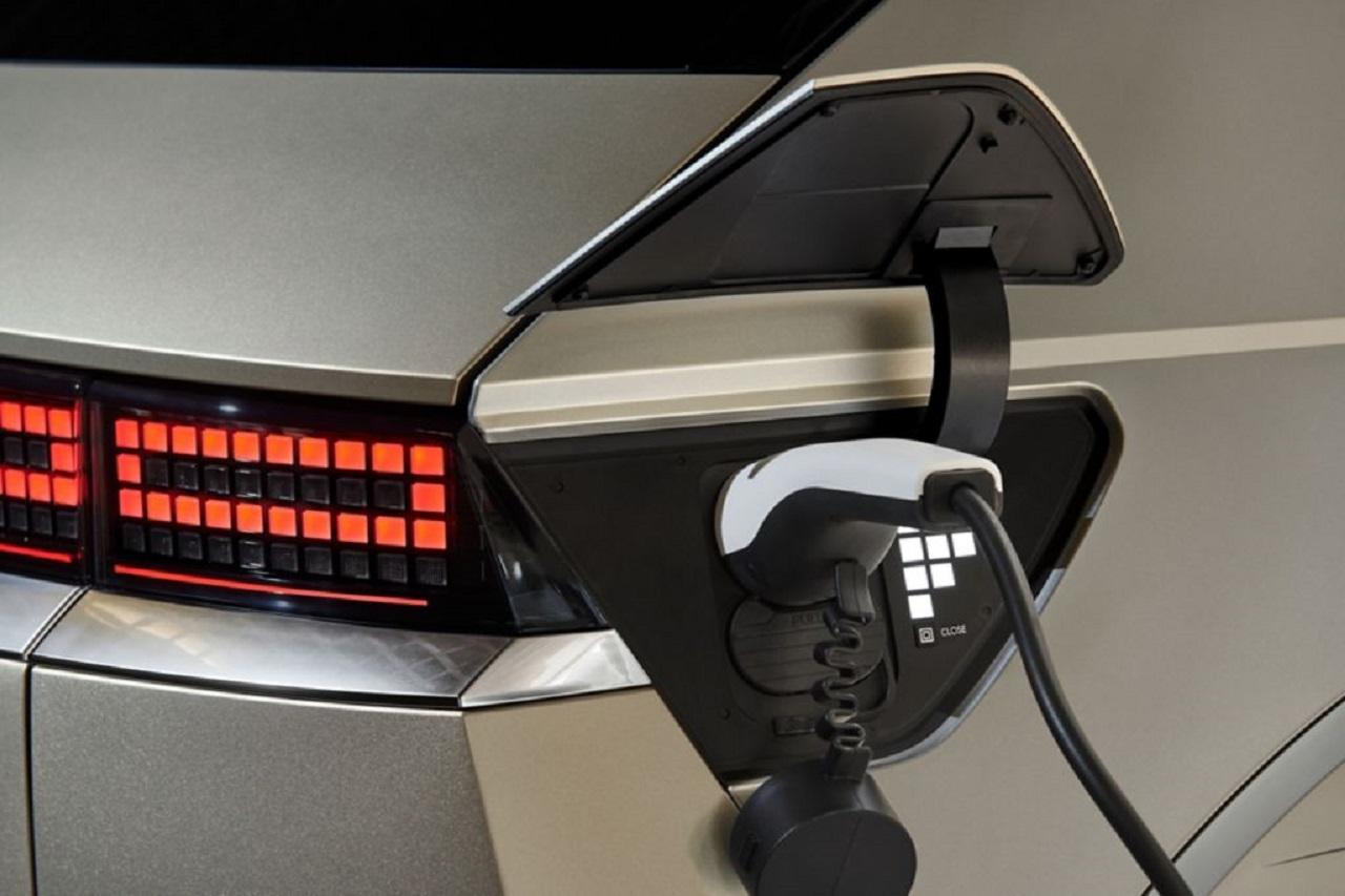 Voitures électriques : Kia sait écouter le client, Tesla un peu moins