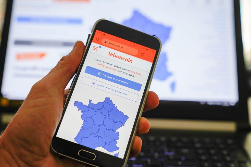 Leboncoin revendique plus de 3 millions d'annonces en ligne et un trafic mensuel de plus de 11,8 millions de visiteurs uniques.