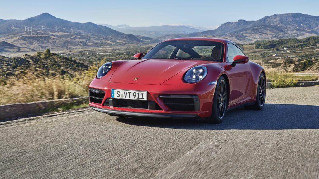 Porsche propose de la location courte durée avec son service Porsche Drive.