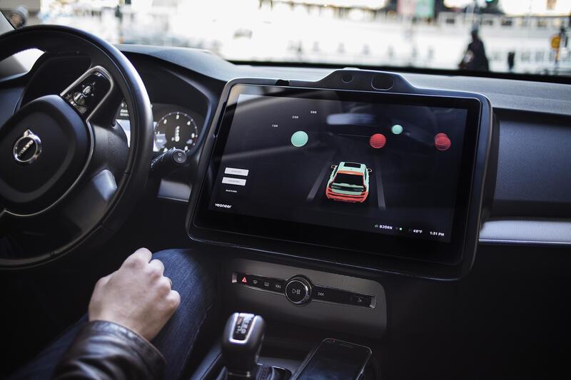 Qualcomm s'empare de Veoneer, équipementier spécialisé dans les aides à la conduite, pour 4,5 milliards de dollars.