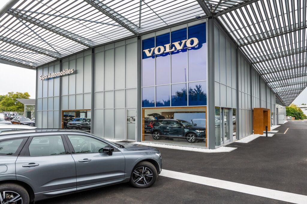 Le site Volvo de Merignac est désormais aux dernières normes du constructeur. (Crédit : Michael Meniane-Lensman).