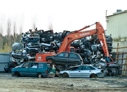 Le démolisseur, ou centre VHU, est l'un des maillons clé de la chaîne du recyclage. A ce titre, il doit rendre des comptes dans l'atteinte des taux de valorisation imposés aux constructeurs.