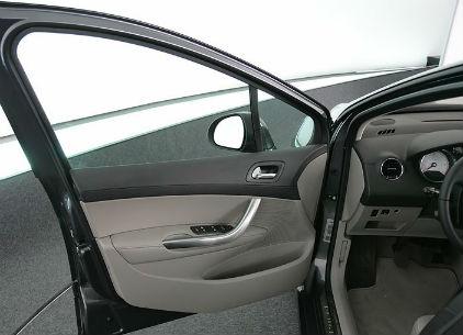Simoldes fabrique notamment les panneaux de porte de la Peugeot 308.
