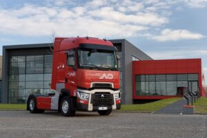 "Renault Trucks livre 100 véhicules ""Origine France Garantie"""