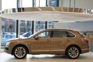 Bentley ouvre un showroom à Milan