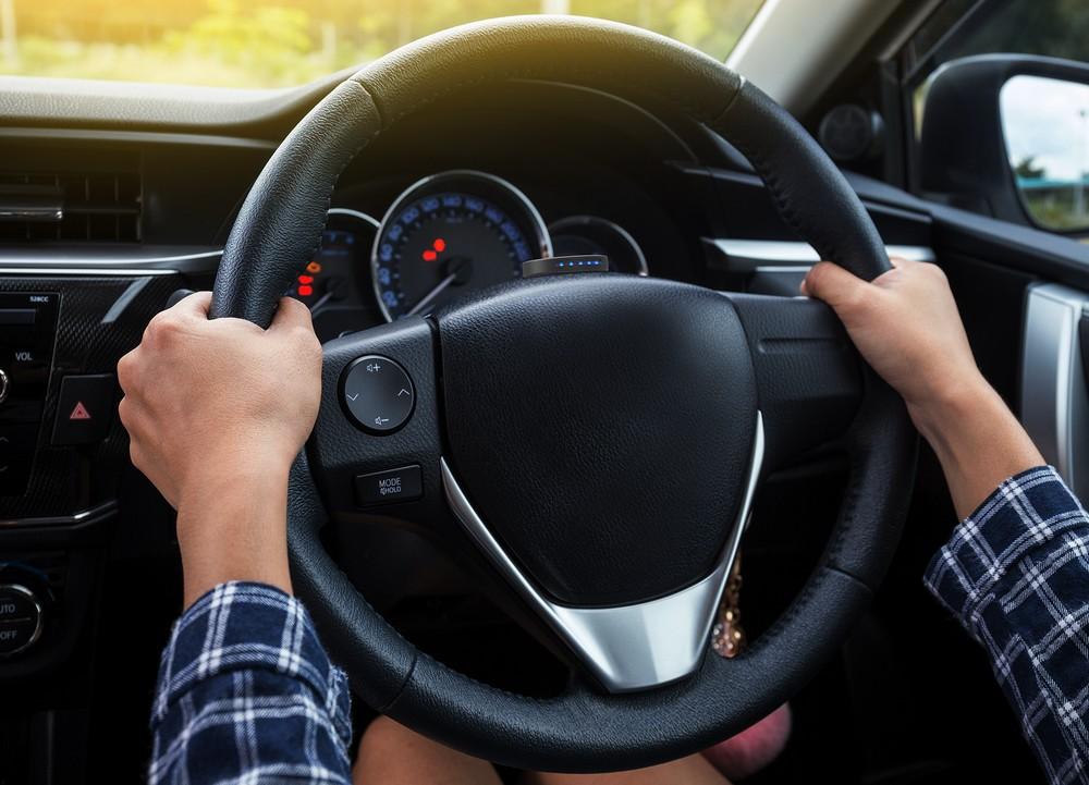 Le Carfit Puls est capable d'analyser les vibrations d'un véhicule pour diagnostiquer l'usure de ses pièces.