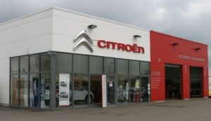 Les agents Citroën forment leurs futurs vendeurs