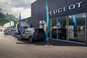 Les agents Peugeot se félicitent de l