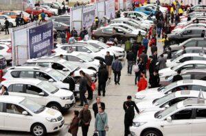 Huit mois de baisse consécutifs pour le marché chinois
