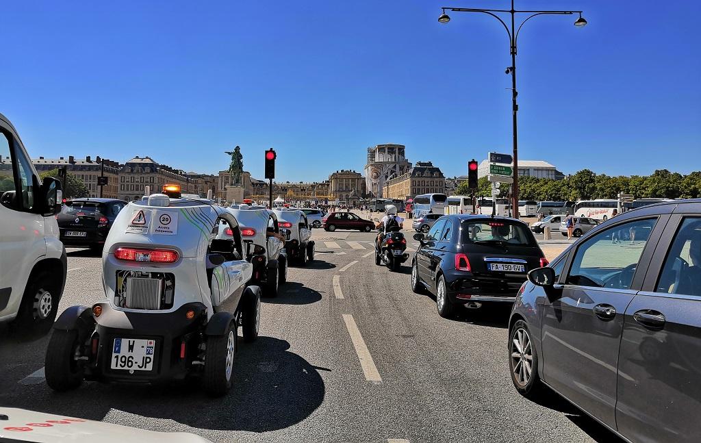 Les Renault Twizy impliquées dans le dispositif versaillais d'Autopilot vont poursuivre leur route à titre expérimental.