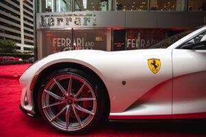 Ferrari revoit ses objectifs 2020 à la baisse