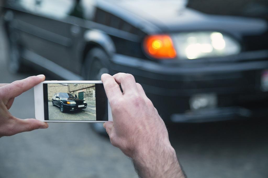 Les utilisateurs feront le tour du véhicule avec leur smartphone pour obtenir un rendu à 360° du VO à commercialiser.