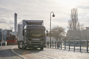 Scania va supprimer 5 000 postes