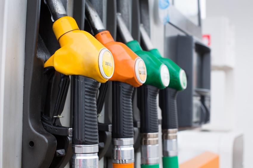 Taxation des carburants : la France est-elle vraiment championne d