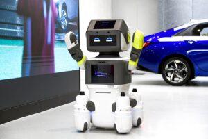 Le groupe Hyundai-Kia teste un robot humanoïde en concession