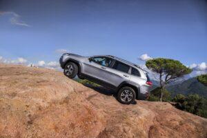 Les Cherokees épinglent Jeep