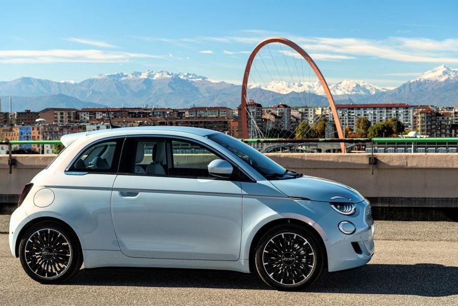 Fiat élargit la gamme de la 500e