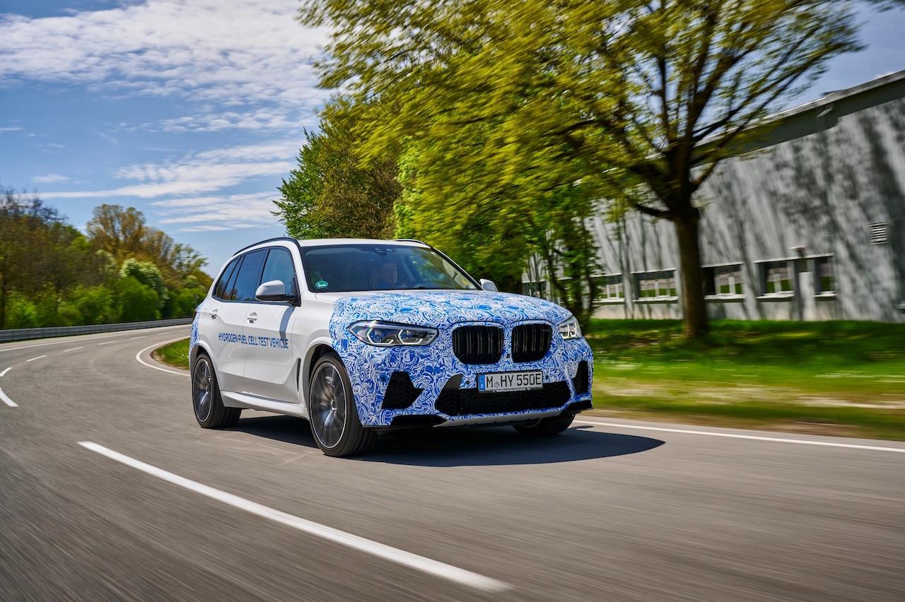 BMW débute les essais du X5 hydrogène