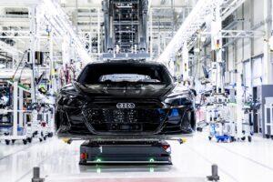 Audi annonce la fin des moteurs thermiques en 2033