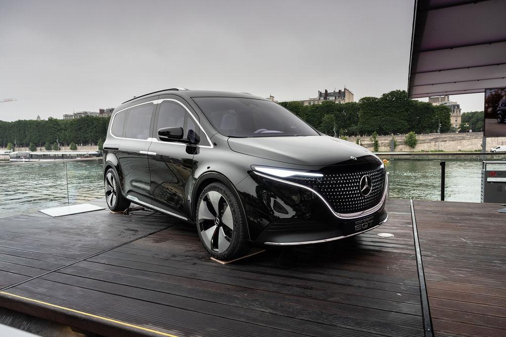 Le concept EQT de Mercedes-Benz de passage à Paris