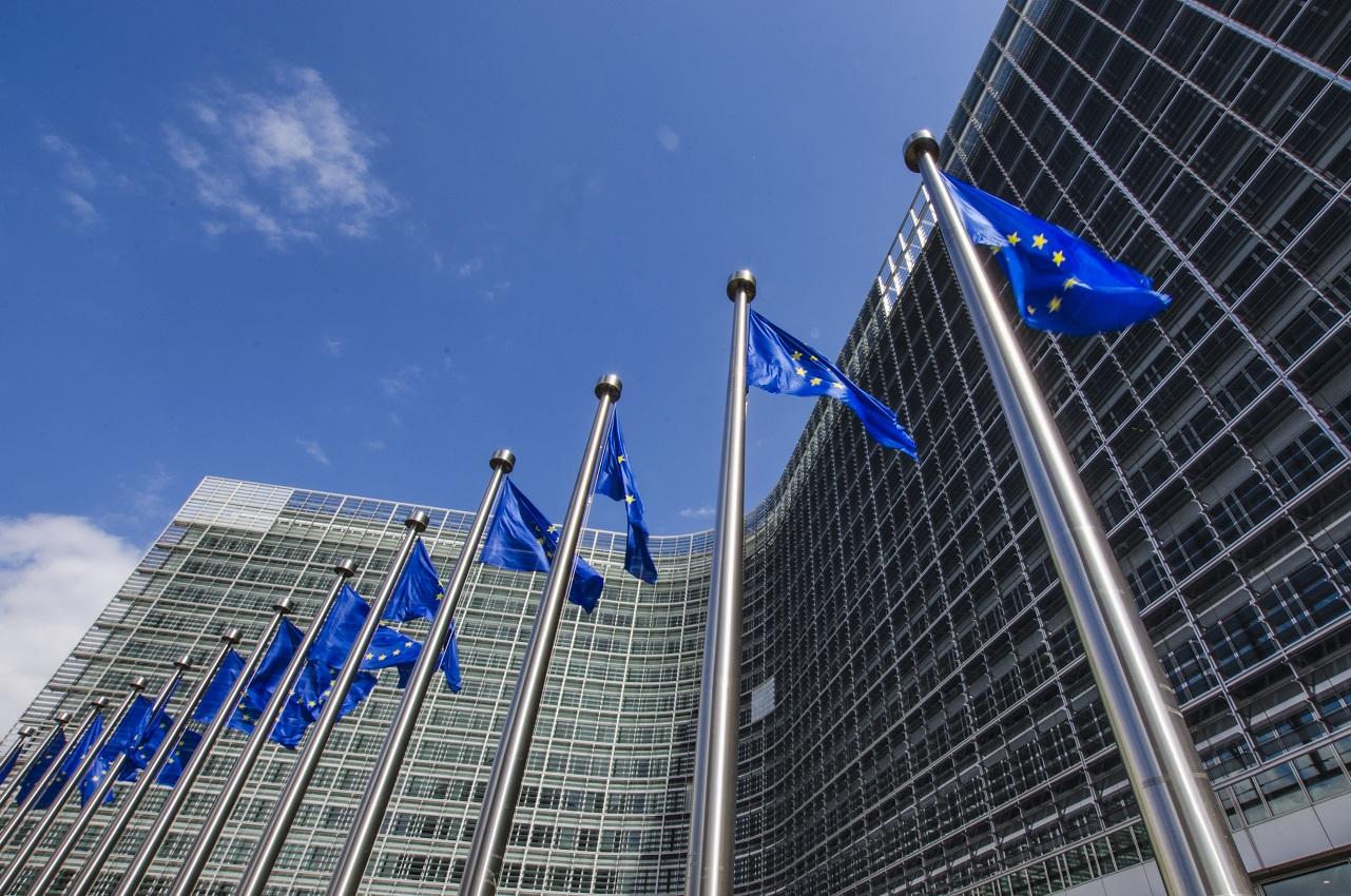 La Commission européenne signe la fin des moteurs thermiques en 2035