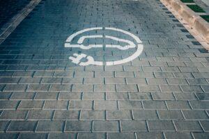 Bruxelles veut installer 3,5 millions de bornes de recharge en 2030